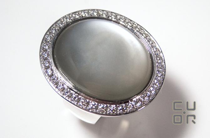 Mondstein Ring Weissgold mit Brillanten. Kundenauftrag