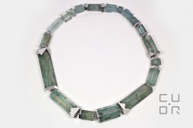 Collier Aquamarinkristalle mit Weissgold und Brillanten. Kundenauftrag