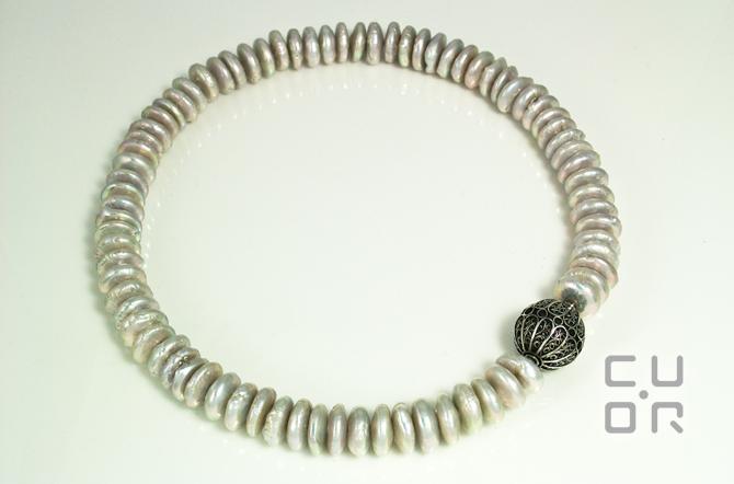 Süsswasser Perlenkette mit Wechselschliesse aus Silberfiligran. Verkauft